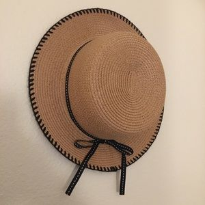 Primark straw hat with thin bow accent
